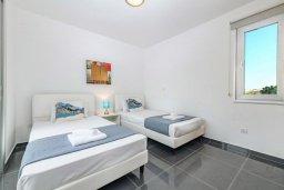 Кипр, Пернера : Потрясающая вилла с 3-мя спальнями, с бассейном, тенистой террасой с патио и каменным барбекю, расположена около пляжа Pernera Beach