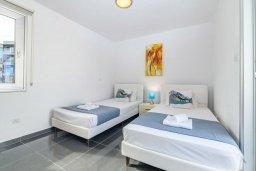 Спальня 3. Кипр, Пернера : Потрясающая вилла с 3-мя спальнями, с бассейном, тенистой террасой с патио и каменным барбекю, расположена около пляжа Pernera Beach