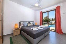 Спальня 3. Кипр, Нисси Бич : Великолепная вилла в окружении зелёного сада, с 3-мя спальнями, с бассейном, тенистой террасой с патио и барбекю, расположена около пляжей Callisto beach и Pernera beach