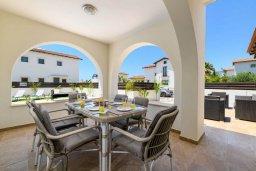 Терраса. Кипр, Ионион - Айя Текла : Прекрасная вилла с видом на Средиземное море, с 3-мя спальнями, с бассейном, тенистой террасой с патио, lounge-зоной и барбекю, расположена около красивой гавани Potamos