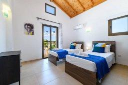 Спальня 3. Кипр, Ионион - Айя Текла : Прекрасная вилла с видом на Средиземное море, с 3-мя спальнями, с бассейном, тенистой террасой с патио, lounge-зоной и барбекю, расположена около красивой гавани Potamos