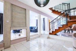 Лестница наверх. Кипр, Гермасойя Лимассол : Очаровательная вилла с 3-мя спальнями, с бассейном, солнечной террасой с патио, в окружении зелёного сада, расположена около пляжа Dasoudi Beach