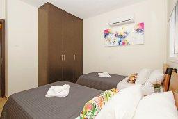 Спальня 2. Кипр, Каппарис : Комфортабельный апартамент с 2-мя спальнями, гостиной и просторный балконом, расположен в знаменитом районе Каппарис, в 500 метрах от пляжа Malama beach