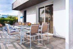 Территория. Кипр, Нисси Бич : Удивительная вилла с 3-мя спальнями, с бассейном, солнечной террасой с патио и барбекю, садом на крыше с панорамным видом, расположена в 500 метрах от пляжа Sandy Bay Beach