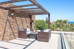Терраса. Кипр, Фиг Три Бэй Протарас : Волшебная вилла с потрясающей террасой на крыше с видом на Средиземное море, с 4-мя спальнями, с бассейном, патио, lounge-зоной и барбекю, расположена недалеко от пляжа Fig Tree Bay