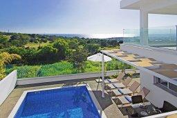 Вид на море. Кипр, Центр Айя Напы : Роскошная вилла с панорамным видом на Средиземное море, с 4-мя спальнями, с бассейном, солнечной террасой с патио и барбекю, расположена в центре Ayia Napa
