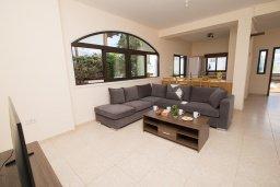 Кипр, Капо Греко : Потрясающая вилла с 5-ю спальнями, с бассейном, тенистой террасой с патио и традиционным кипрским барбекю, расположена недалеко от пляжа Konnos Bay Beach