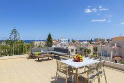 Терраса. Кипр, Каво Марис Протарас : Впечатляющая вилла с террасой на крыше с видом на Средиземное море, с 4-мя спальнями, с бассейном, патио и барбекю, расположена в 400 метрах от пляжа Green Bay Beach