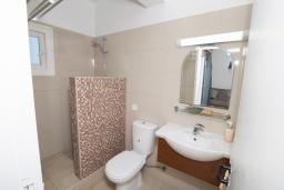 Ванная комната. Кипр, Санрайз Протарас : Комфортабельная студия с уютным балконом, расположена в самом центре Протараса в 350м от песчаного пляжа Sunrise Beach