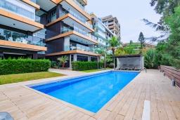 Территория. Кипр, Айос Тихонас Лимассол : Роскошный апартамент с видом на Средиземное море, с 3-мя спальнями, 2-мя ванными комнатами, расположен в комплексе с бассейном, настольным теннисом и барбекю, в 100 метрах от берега моря
