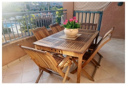 Балкон. Кипр, Пафос город : Чудесный апартамент с 2-мя спальнями, с 2-мя ванными комнатами, с просторным балконом с патио, расположен в комплексе с бассейном всего в 400 метрах от моря