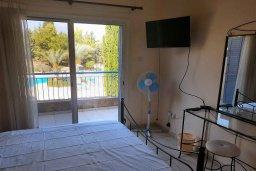 Спальня 2. Кипр, Пафос город : Комфортабельная вилла с 2-мя спальнями, с солнечной террасой с патио, расположена в комплексе с бассейном всего в 500 метрах от моря