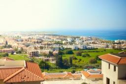 Вид на море. Кипр, Хлорака : Уютный таунхаус с видом на Средиземное море, c 2-мя спальнями, расположен в современном комплексе с бассейном