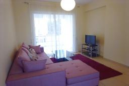 Гостиная. Кипр, Пейя : Уютный апартамент c 2-мя спальнями и балконом, расположен в комплексе с бассейном