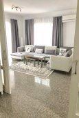 Гостиная. Кипр, Гермасойя Лимассол : Комфортабельная вилла с 4-мя спальнями, 3-мя ванными комнатами, с бассейном, солнечной террасой с патио и барбекю, расположена недалеко от пляжа Dasoudi beach