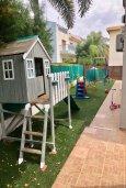 Детская площадка. Кипр, Гермасойя Лимассол : Комфортабельная вилла с 4-мя спальнями, 3-мя ванными комнатами, с бассейном, солнечной террасой с патио и барбекю, расположена недалеко от пляжа Dasoudi beach