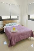 Спальня 2. Кипр, Ларнака город : Современный апартамент с видом на Средиземное море, с двумя спальнями, двумя ванными комнатами, расположен в комплексе с общим бассейном в 500 метрах от набережной