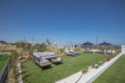 Территория. Кипр, Санрайз Протарас : Современная вилла с 3-мя спальнями, с бассейном, солнечной террасой с патио, lounge-зоной и барбекю, расположена недалеко от пляжа Sunrise Beach