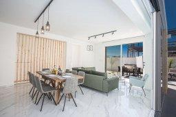 Гостиная. Кипр, Санрайз Протарас : Потрясающая вилла с 4-мя спальнями, с бассейном, солнечной террасой с патио и барбекю, расположена недалеко от пляжа Sunrise Beach