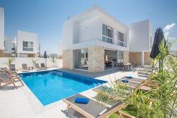 Вид на виллу/дом снаружи. Кипр, Санрайз Протарас : Фантастическая вилла с 4-мя спальнями, с бассейном, солнечной террасой с патио, lounge-зоной и барбекю, расположена недалеко от пляжа Sunrise Beach