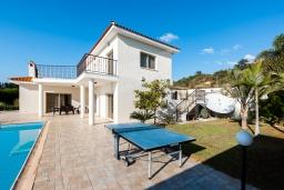 Территория. Кипр, Пейя : Прекрасная вилла с видом на Средиземное море, с 3-мя спальнями, с бассейном с подогревом, настольным теннисом, бильярдом и солнечной террасой с патио и каменным барбекю
