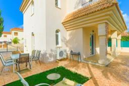 Территория. Кипр, Каппарис : Очаровательная вилла с 3-мя спальнями, с бассейном, солнечной террасой с патио и барбекю, расположена в 300 метрах от пляжа Malama Beach