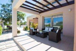 Терраса. Кипр, Лачи : Превосходная вилла с террасой на крыше с видом на Средиземное море, с 3-мя спальнями, с бассейном, беседкой с уличным баром и каменным барбекю, расположена в 200 метрах от пляжа Souli Beach