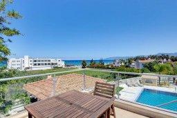 Вид на море. Кипр, Лачи : Превосходная вилла с террасой на крыше с видом на Средиземное море, с 3-мя спальнями, с бассейном, беседкой с уличным баром и каменным барбекю, расположена в 200 метрах от пляжа Souli Beach