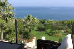 Вид на море. Кипр, Лачи : Вилла с прямым выходом к морю, с 4-мя спальнями, 4-мя ванными комнатами, с бассейном, хамамом, солнечной террасой с барбекю, расположена в самом живописном месте в деревушке Latchi