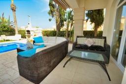 Терраса. Кипр, Каппарис : Вилла с видом на море, с 3-мя спальнями, с бассейном, тенистой террасой с патио и каменным барбекю, расположена в 150 метрах от пляжа Malama Beach