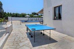 Развлечения и отдых на вилле. Кипр, Си Кейвз : Вилла с 4-мя спальнями, с бассейном, настольным теннисом, тенистой террасой с патио и барбекю, расположена в районе Sea Caves