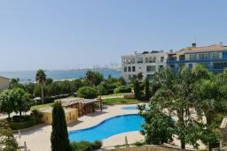 Территория. Кипр, Центр Лимассола : Апартамент с видом на Средиземное море, с 2-мя спальнями, 2-мя просторными балконами, расположен в комплексе с бассейном, барбекю, spa и фитнес-центром