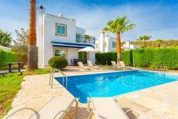 Вид на виллу/дом снаружи. Кипр, Нео Хорио : Вилла с видом на море, с 3-мя спальнями, с бассейном, тенистой террасой с патио и барбекю, расположена недалеко от пляжа Neo Chorio 2 Beach