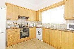 Кухня. Кипр, Фиг Три Бэй Протарас : Уютная двухэтажная вилла с 3-мя спальнями, с частным бассейном, патио и барбекю, расположена в центре Протараса