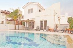 Фасад дома. Кипр, Коннос Бэй : Комфортабельная двухэтажная вилла с 3-мя спальнями, с открытым бассейном, садиком и BBQ