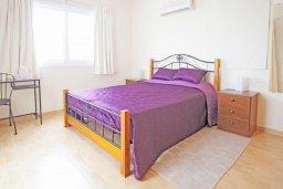 Спальня. Кипр, Коннос Бэй : Комфортабельная двухэтажная вилла с 3-мя спальнями, с открытым бассейном, садиком и BBQ