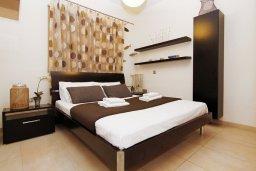 Спальня 2. Кипр, Фиг Три Бэй Протарас : Восхитительная двухэтажная вилла на побережье с 3-мя спальнями, красивым садом с патио, бассейном и барбекю