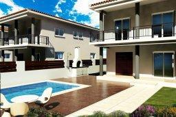 Фасад дома. Кипр, Нисси Бич : Современная стильная двухэтажная вилла с 4-мя спальнями, с барбекю и большим бассейном