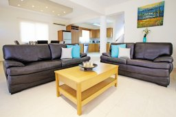 Гостиная. Кипр, Каво Марис Протарас : Прекрасная двухэтажная вилла с 3-мя спальнями, с открытым бассейном и настольным теннисом и уютным патио