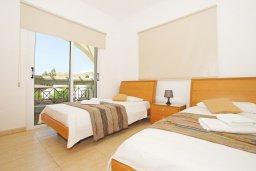 Спальня 3. Кипр, Коннос Бэй : Потрясающая вилла с видом на мыс Cape Greco, с 3-мя спальнями, с большим бассейном, потрясающим садом с пальмами, цветами и прекрасным видом на море