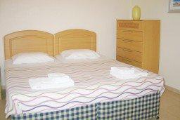 Спальня. Кипр, Каво Марис Протарас : Просторная оборудованная трехэтажная вилла с 4-мя спальнями, с бассейном и барбекю