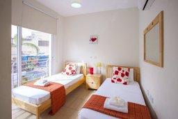 Спальня. Кипр, Фиг Три Бэй Протарас : Уютная двухэтажная вилла с 3 спальнями недалеко от моря, с плавательным бассейном в окружении зеленого сада