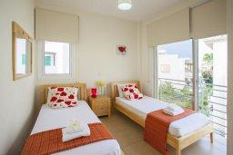 Спальня 3. Кипр, Фиг Три Бэй Протарас : Уютная двухэтажная вилла с 3 спальнями недалеко от моря, с плавательным бассейном в окружении зеленого сада