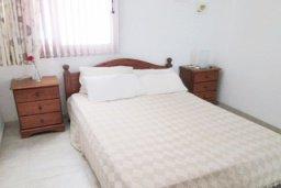 Спальня 2. Кипр, Каппарис : Апартамент с 3-мя спальнями для 6-ти человек с балконом в комплексе с плавательным бассейном и теннисным кортом.
