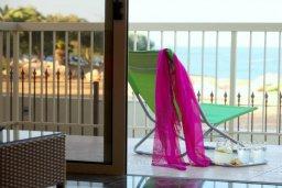 Балкон. Кипр, Пернера : Великолепная вилла с 4-мя спальнями,  с потрясающим видом на море, расположена в тихом районе Протараса