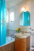 Ванная комната 2. Кипр, Пернера : Великолепная вилла с 4-мя спальнями,  с потрясающим видом на море, расположена в тихом районе Протараса