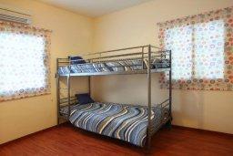 Спальня 2. Кипр, Пернера : Великолепная вилла с 4-мя спальнями,  с потрясающим видом на море, расположена в тихом районе Протараса