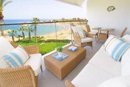Балкон. Кипр, Пернера Тринити : Апартамент на побережье в средиземноморском стиле с 2-мя спальнями, с огромным балконом и чудесным видом на море