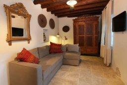 Гостиная. Кипр, Какопетрия : Традиционный каменный дом с 3-мя спальнями на горнолыжном курорте