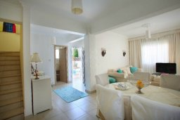 Гостиная. Кипр, Нисси Бич : Красивая вилла с 2-мя спальням, с большим частным бассейном, традиционной глиняной печью и частной парковкой